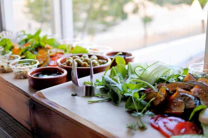 牛尾農場さんの新鮮な野菜をたっぷり使ったメニュー。美味しく、美しいお料理たち。