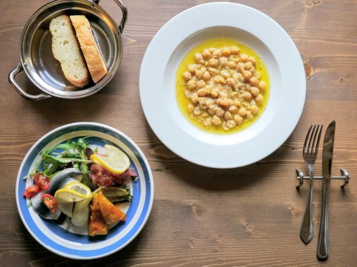スープ、前菜3種盛り合わせ、フォカッチャ