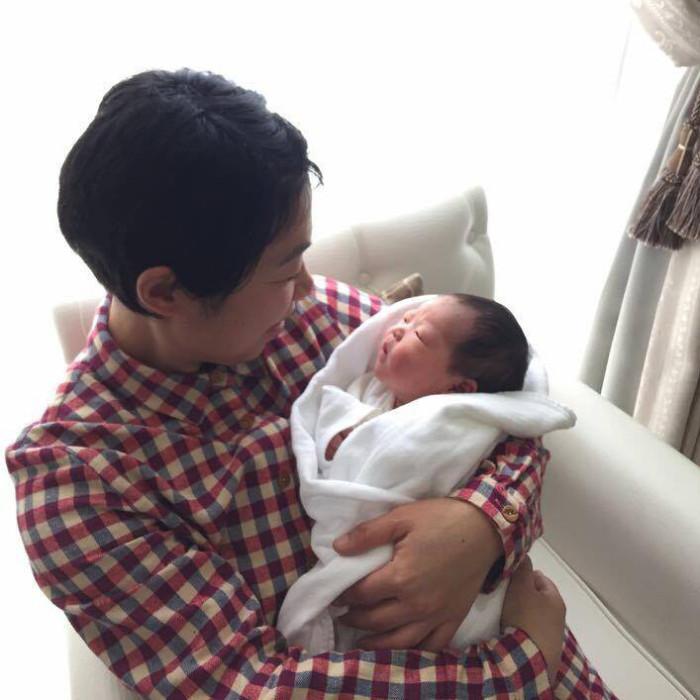 出産に立ち会い、無事産まれた赤ちゃんと